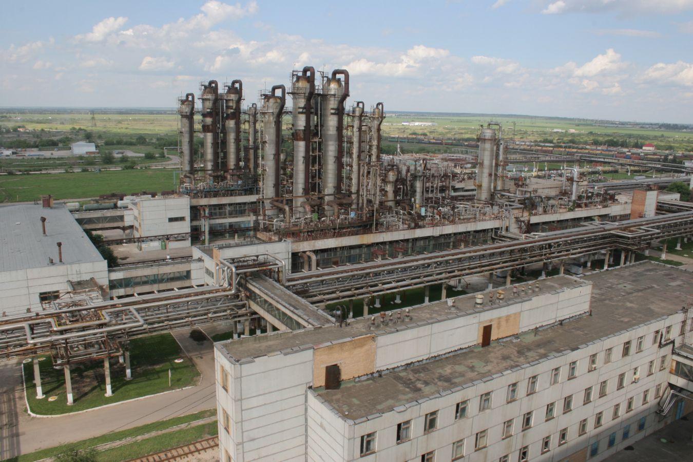 Вывод из эксплуатации морально устаревшего производства крепкой азотной кислоты.